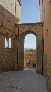 Loreto-Aprutino-Italy-Loreto-Aprutino-Abruzzo-13-574x1024